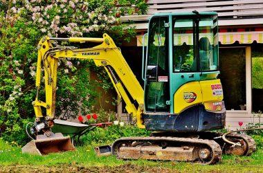 excavators-2482943_640